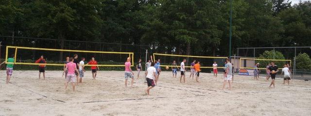 teambuilding-eindhoven-beach-volleybal
